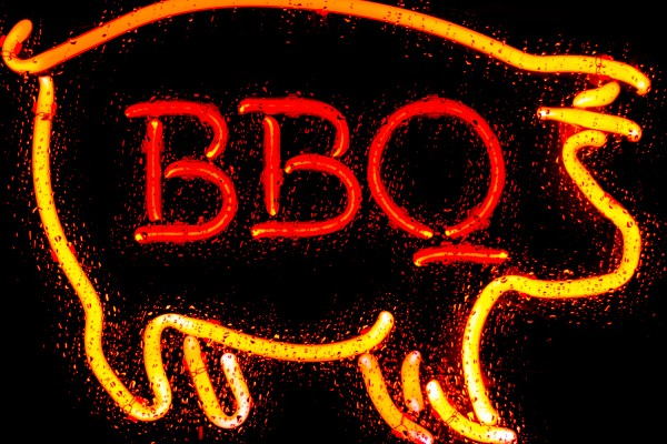 neon BBQ pig sign