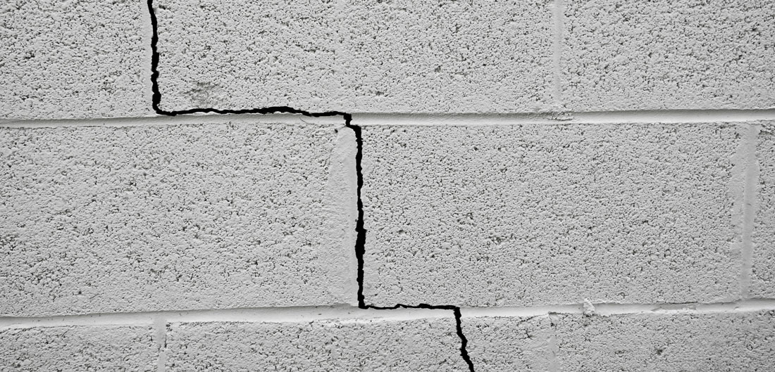crack in house foundation